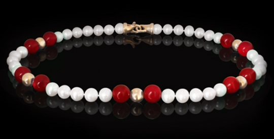 Halskette - Süßwasserperle, rote Jade, Goldkugel